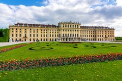 Schonbrunn pałac w wiośnie, Wiedeń, Austria zdjęcia royalty free