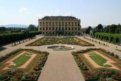 Schonbrunn Palast-Gärten in Wien Stockfotos