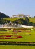 Schonbrunn slottträdgårdar på Wien Arkivbilder