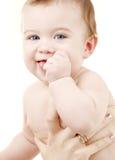 Schone babyjongen in moederhanden Stock Fotografie