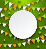Schone Kaart met Partijbunting Wimpels en Klavers voor St Patricks Dag Stock Afbeelding