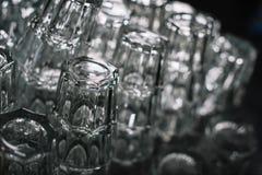 schone lege glazen voor dranken stock afbeelding