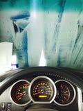 Schone machine, autowasserette met spons en slang Royalty-vrije Stock Afbeeldingen
