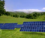 Schone stroom zonneplaten in weide Royalty-vrije Stock Afbeelding