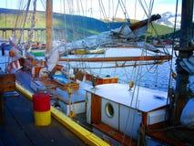 Schoner, Boote, Boote auf dem Pier norwegen Sommer 2012 Lizenzfreie Stockbilder
