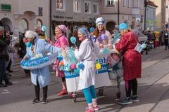 Schongau, Niemcy, Bavaria 03 03 2019: Karnawałowy korowód w Bawarskim Schongau zdjęcia royalty free