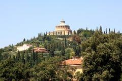 Schongebiet von Madonna von Lourdes in italienischem Verona Lizenzfreie Stockfotos
