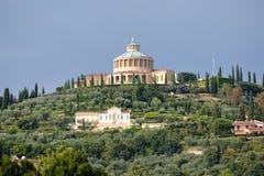 Schongebiet von Madonna von Lourdes, Verona, Italien. Lizenzfreie Stockbilder