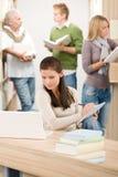 School-Bibliothek - Kursteilnehmer mit Anmerkungsauflage Lizenzfreies Stockbild