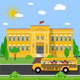 School building and bus Royalty Free Stock Photography