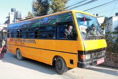 School bus in kathmandu Royalty Free Stock Photos
