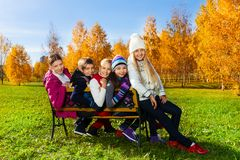 School children on the bench Royalty Free Stock Images