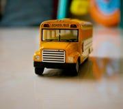 Schoolbus mini stock afbeeldingen