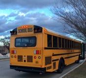 Schoolbus tussen Routes royalty-vrije stock foto's