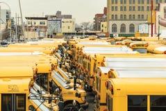 Schoolbussen in Coney Island Stock Fotografie