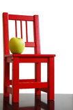Schoolchair en Appel royalty-vrije stock afbeeldingen