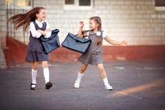 schoolgirls arkivbilder