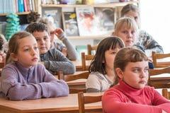 Schooljonge geitjes van basisschool royalty-vrije stock afbeeldingen