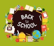 Schoollevering en uitdrukking ` terug naar school ` op het zwarte bord stock illustratie