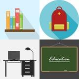 Schoollevering, rugzak, bureau, bord Stock Afbeeldingen