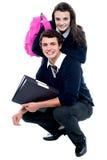 Schoolmates adorabili che propongono insieme Fotografia Stock
