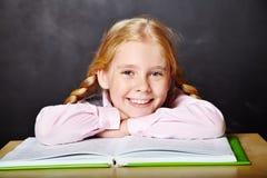 Schoolmeisje met een boek Royalty-vrije Stock Foto