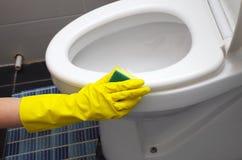 Schoon huistoilet stock afbeelding