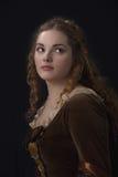 Schoonheid in middeleeuwse kleding Royalty-vrije Stock Afbeelding