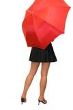 Schoonheid onder de rode paraplu Royalty-vrije Stock Foto's