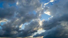 Schoonheids blauwe hemel en wolk Stock Afbeeldingen