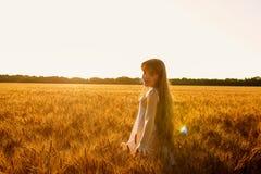 Schoonheids Romantisch Meisje in openlucht Royalty-vrije Stock Afbeeldingen
