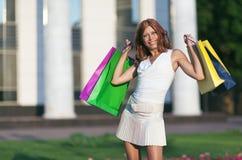 Schoonheids winkelende vrouw Stock Foto