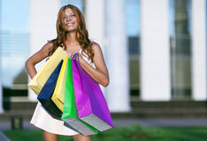 Schoonheids winkelende vrouw Stock Afbeelding