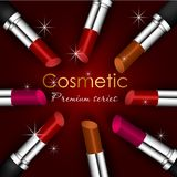 Schoonheidsconcept, idee voor een tijdschrift, kosmetische cosmologist Drie lippenstiftenschaduwen in een zwarte geval realistisc Royalty-vrije Stock Afbeeldingen