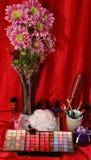 Schoonheidsmiddelen en bloemen Stock Afbeelding