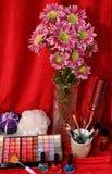 Schoonheidsmiddelen en bloemen Royalty-vrije Stock Afbeelding