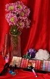 Schoonheidsmiddelen en bloemen Royalty-vrije Stock Foto