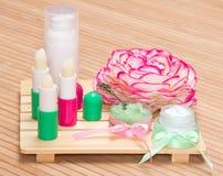 Schoonheidsmiddelen voor de zorg van de lippenhuid Stock Fotografie