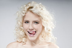Schoonheidsportret van aantrekkelijke jonge blondevrouw Royalty-vrije Stock Afbeeldingen