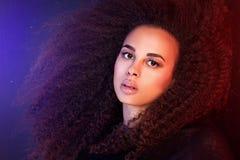 Schoonheidsportret van Afrikaans Amerikaans meisje Royalty-vrije Stock Afbeelding
