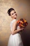 Schoonheidsportret van jonge bruid Perfect make-up en kapsel Stock Fotografie