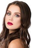 Schoonheidsportret van schitterende jonge donkerbruine vrouw Stock Foto