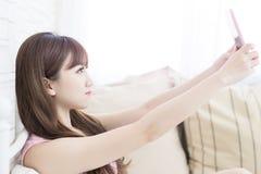 Schoonheidsvrouw selfie Stock Foto's