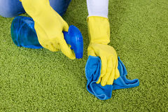 Schoonmakend tapijt stock foto