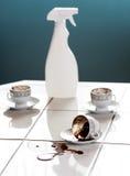 Schoonmakende koffievlekken stock foto's