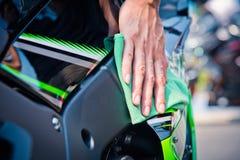 Schoonmakende motorfiets Stock Afbeelding