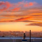 Schoorsteen bij zonsopgang in Paterna Valencia Spain stock fotografie