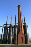 Schoorsteen en molens bij Fundidora-park in Monterrey Mexico Stock Afbeeldingen