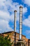 Schoorsteen van de oude elektrische centrale in een stad Kremenchug, de Oekraïne royalty-vrije stock afbeelding