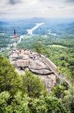 Schoorsteenrots bij het Park van de Schoorsteenstaat in Noord-Carolina, stock fotografie